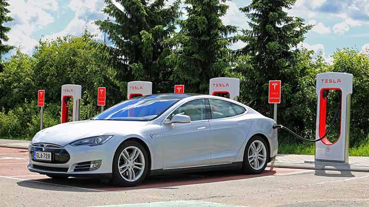 Biaya Pajak Tahunan Mobil Tesla Di Indonesia