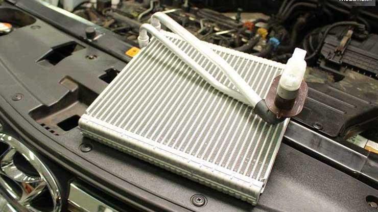 Membuka Evaporator AC Mobil