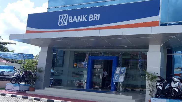 Mendatangi Kantor Bank BRI