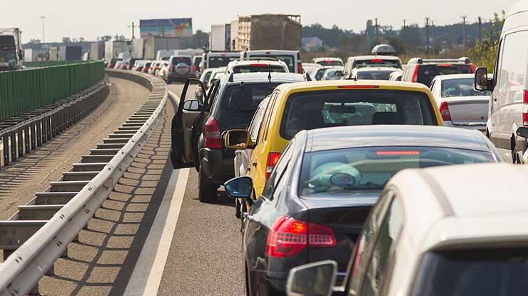 Menghindari Kemacetan dan Cuaca Buruk