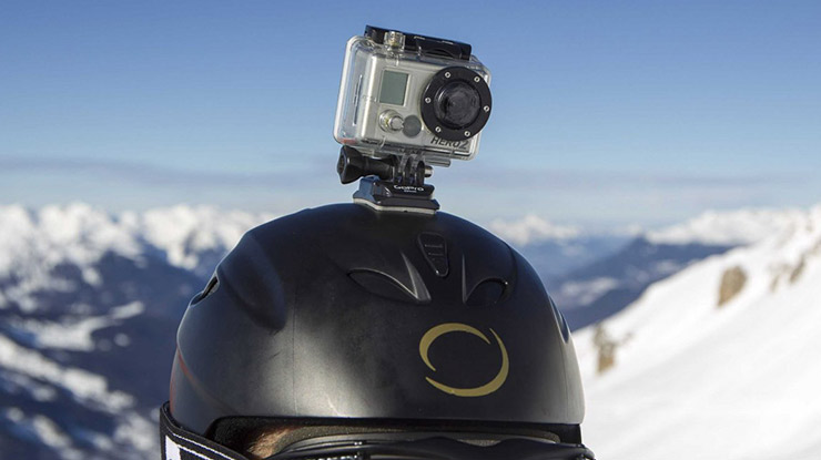 Posisi Action Cam di Atas Helm