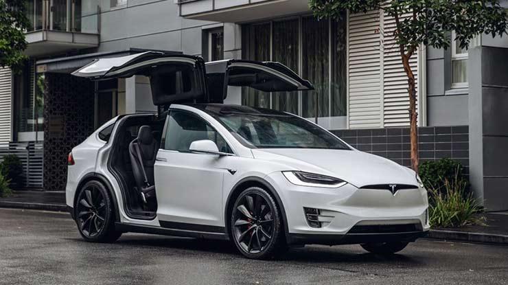 Eksterior Mobil Tesla