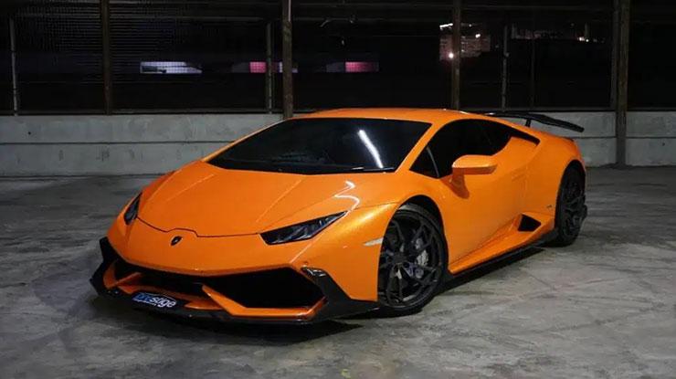 2. Mobil Lamborghini Huracan EVO Termahal di Indonesia
