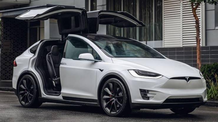 9. Mobil Tesla Model X Termahal di Indonesia