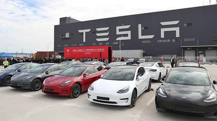 Kelebihan dan Kekurangan Mobil Tesla