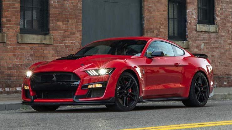 9. Mobil Sport Ford Mustang Irit Bahan Bakar